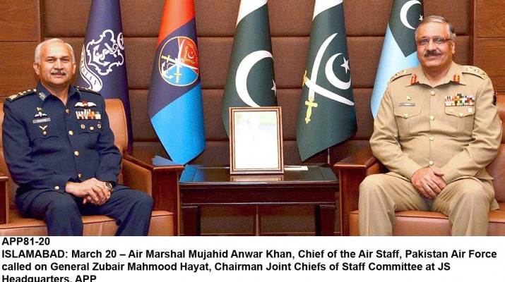 APP81-20 ISLAMABAD: March 20 – Air Marshal Mujahid Anwar Khan, Chief of the Air Staff, Pakistan Air Force called on General Zubair Mahmood Hayat, Chairman Joint Chiefs of Staff Committee at JS Headquarters. APP